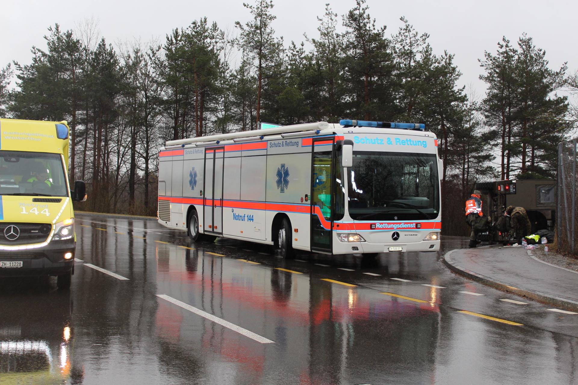 Effretikon: Mehrere Verletzte bei Militärfahrzeug-Unfall