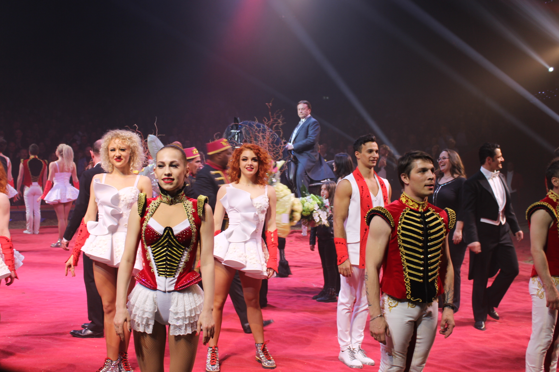 Circus Knie startete Jubiläumstournee
